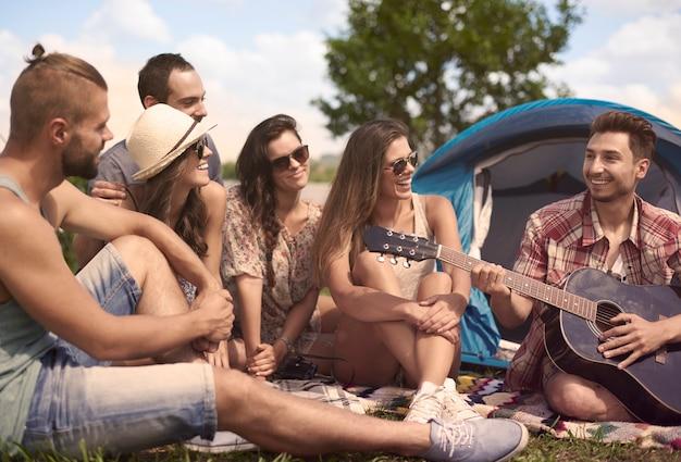 Отдых в лагере с друзьями Бесплатные Фотографии