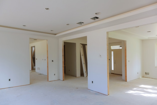 Renovation of interior of a house under construction. Premium Photo