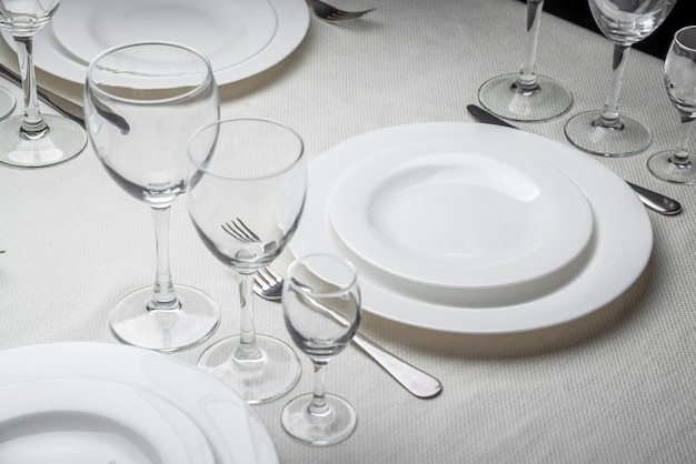 Restaurant interior, table setting Premium Photo