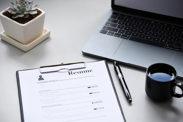 Resume on table office business Premium Photo