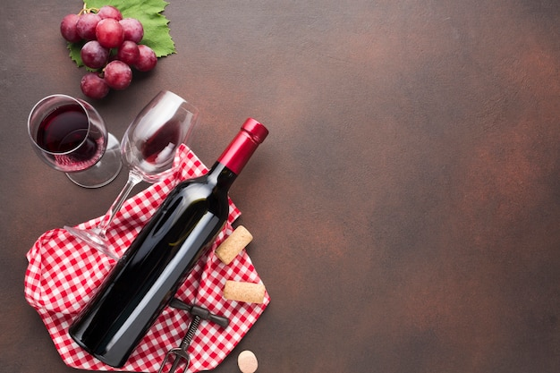 Retro background aspect with red wine Premium Photo