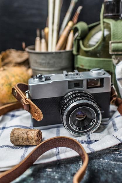 Открытка фотокамера, солдатиками