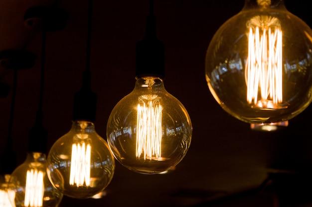 Retro edison light lamp decor Premium Photo