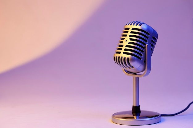 Retro microphone isolated on color background 1387 912