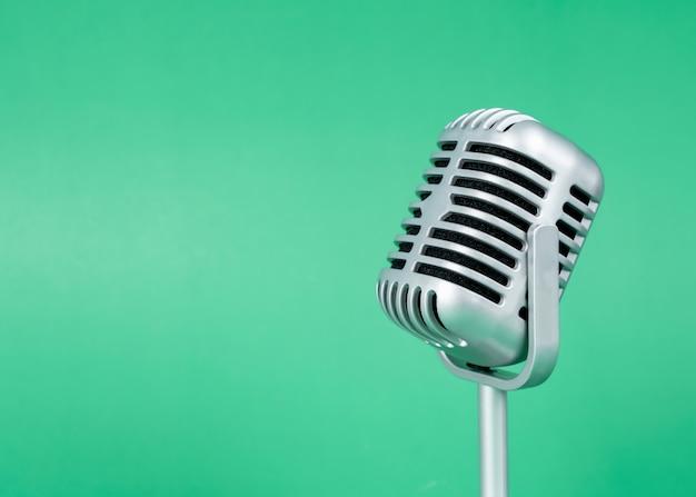 Retro microphone Premium Photo