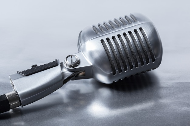 Retro microphone Premium Photo