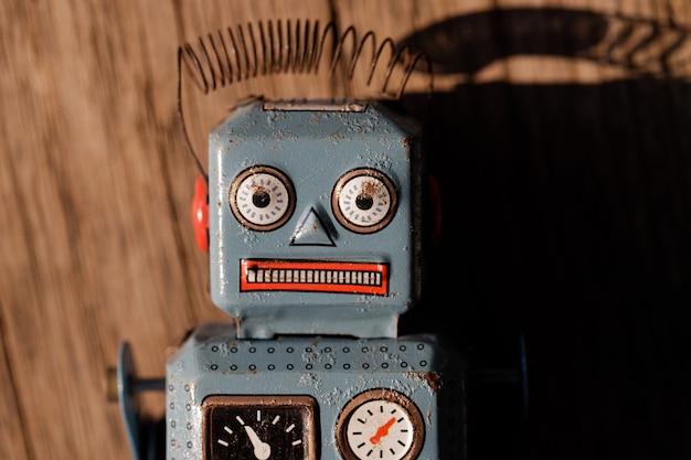 Retro tin toy robot Premium Photo