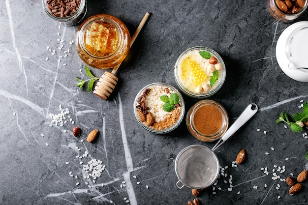 Rice pudding with honey and cinnamon Premium Photo