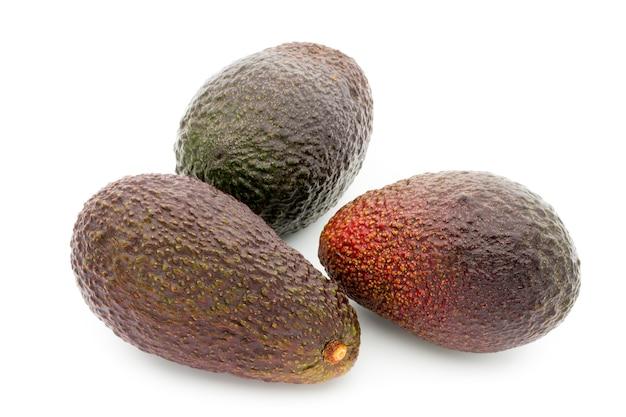 Изолированные спелые плоды авокадо Premium Фотографии