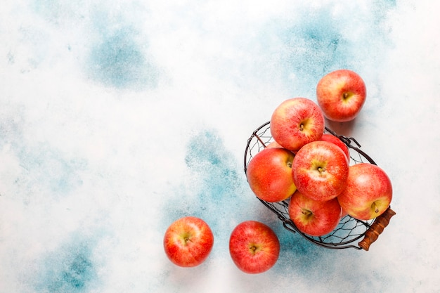 Ripe delicious organic red apples. Free Photo