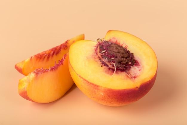 Ripe peach fruit slice Premium Photo