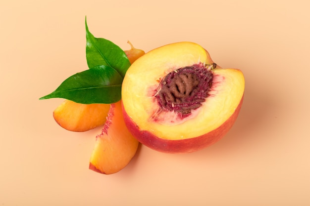 Ripe peach fruit slice Premium Photo