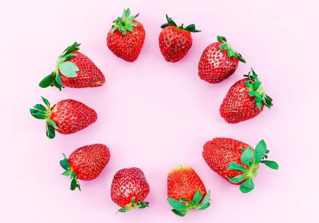 Ripe strawberries circle Free Photo