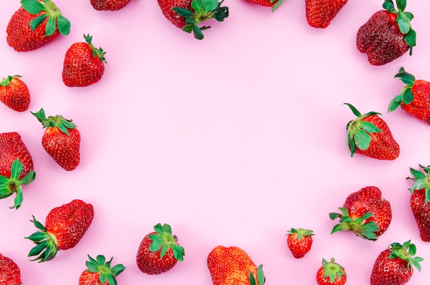Ripe strawberry fruits frame Free Photo