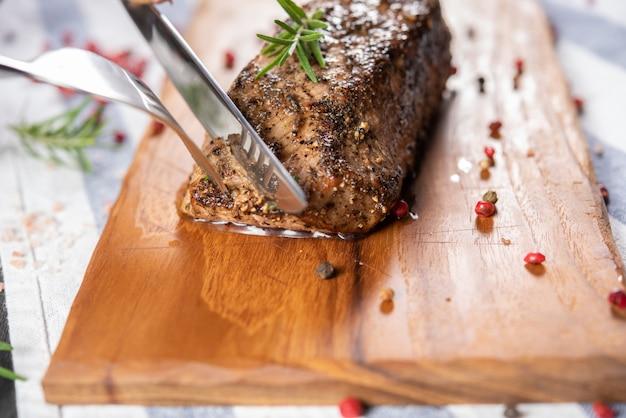 Roasted beef sirloin Free Photo