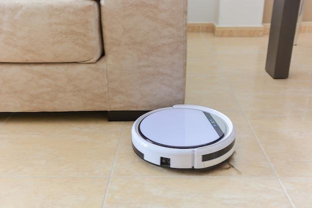 Robot vacuum cleaner Premium Photo