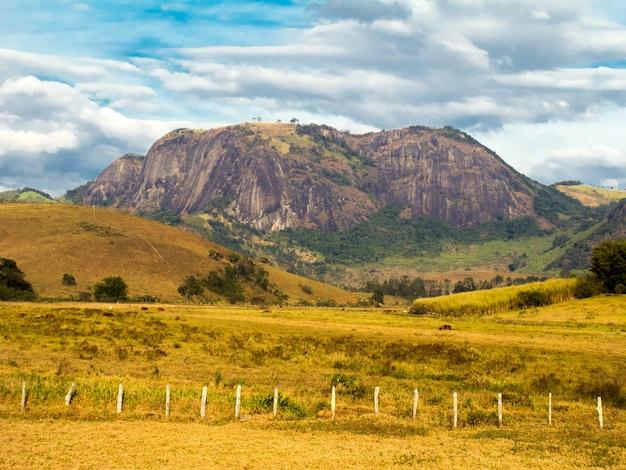Rock mountain in minas gerais - brazi Premium Photo