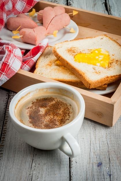 Romantic breakfast for valentine's day Premium Photo