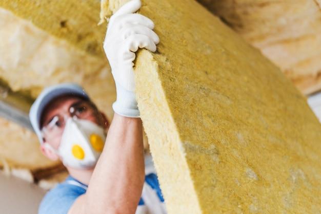manter a casa quente com isolamento do telhado