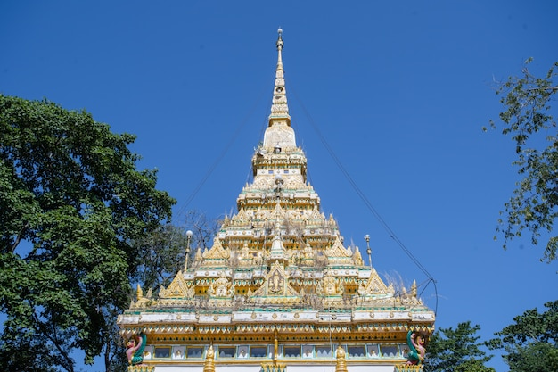 Roof small temple in the forest Premium Photo