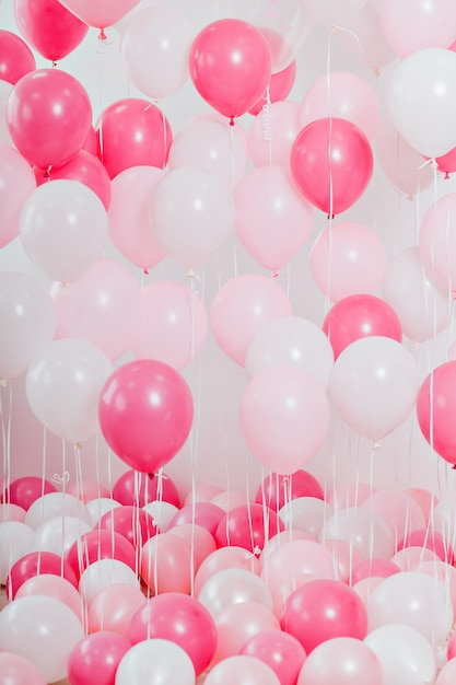 The room with pink balloons Premium Photo
