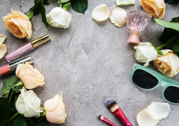 Roses and cosmetic Premium Photo