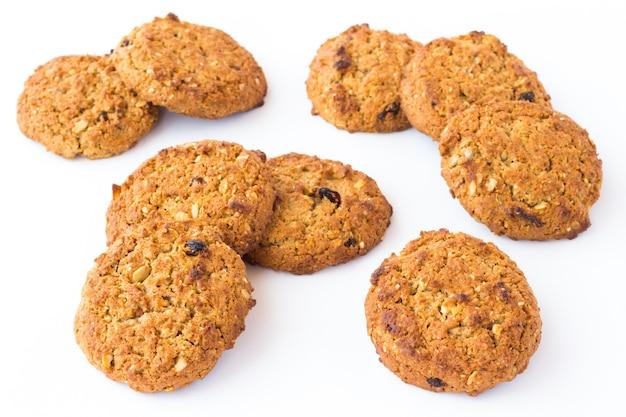 Печенье круглое с добавками зерна и изюма Premium Фотографии