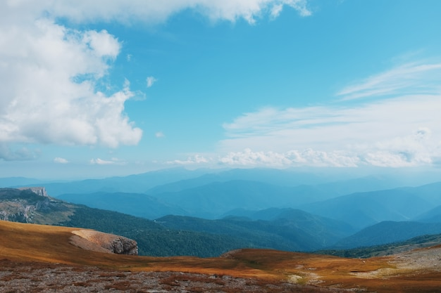 Route through mountain peaks and hills through majestic landscapes. Premium Photo