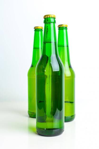 Row of beer bottles Premium Photo