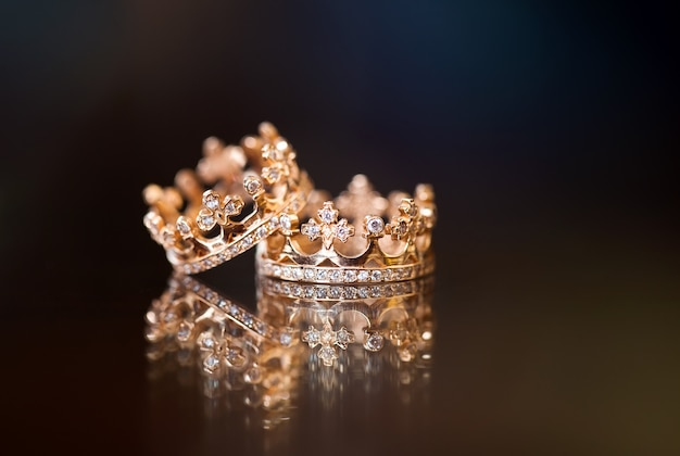 Royal wedding rings Premium Photo