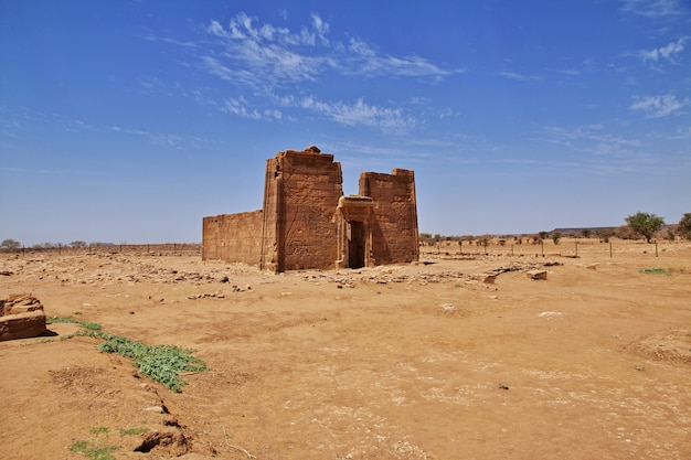 The ruins of an ancient egyptian temple in the desert of sudan, nubia Premium Photo