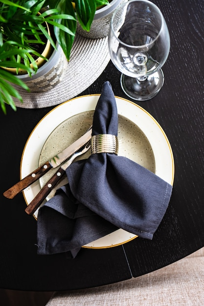 Rustic table setting Premium Photo