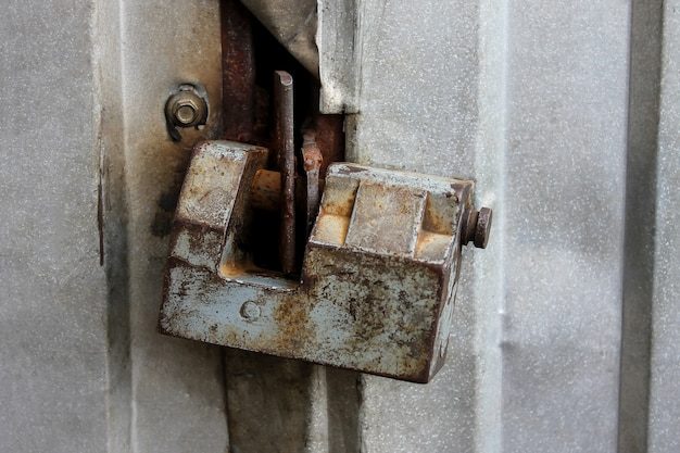 Rusty door lock Premium Photo