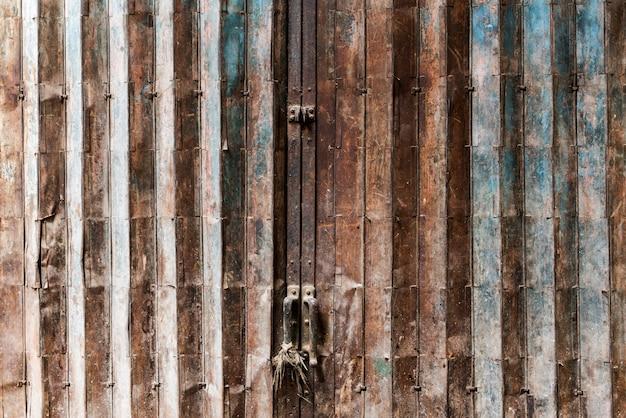 Rusty door Free Photo