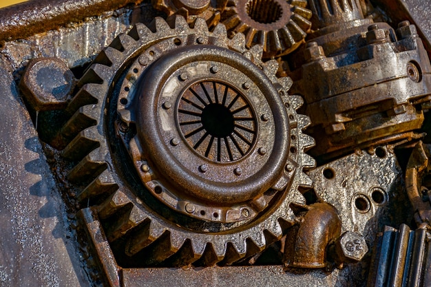 Rusty gear assembly Free Photo