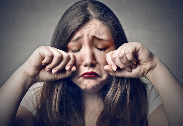 Sad crying woman Premium Photo