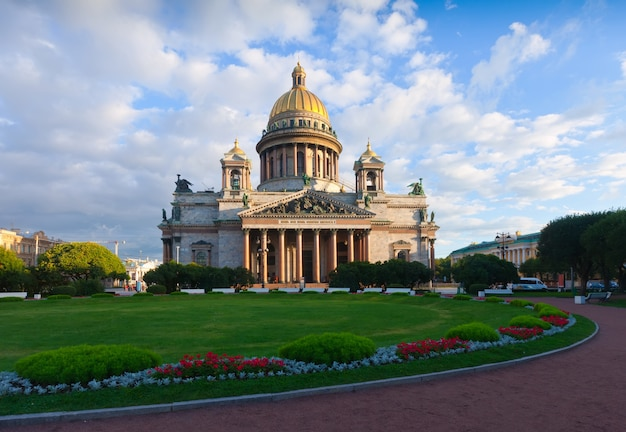Saint isaac's cathedral in st. petersburg Free Photo