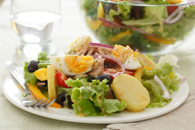 Salad nicoise Premium Photo