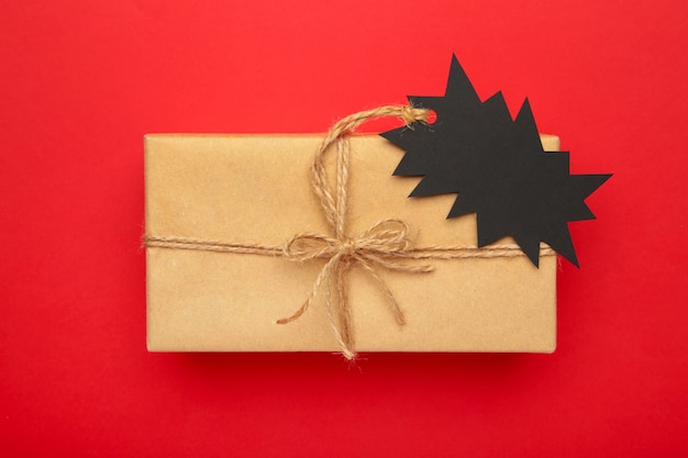 Sale price tag on gift top view Premium Photo