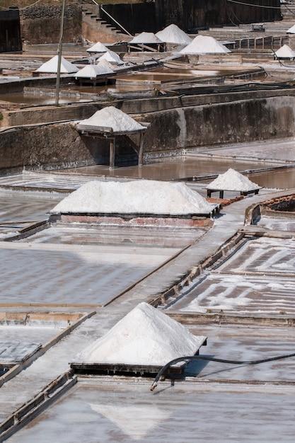 Разведка солевого раствора Premium Фотографии