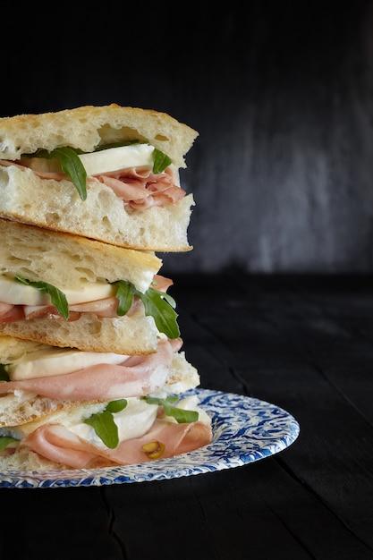 Sandwich pizza mortadella mozzarella Premium Photo