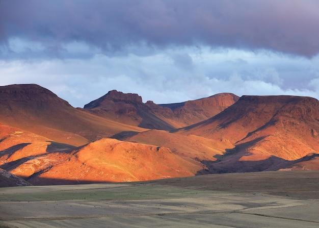 Montagne sabbiose nel barkley pass in sud africa Foto Gratuite