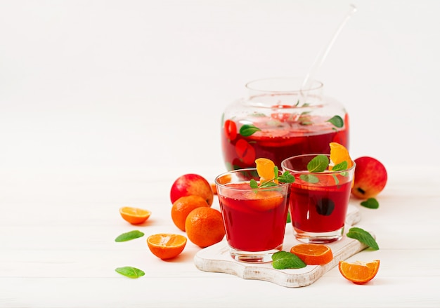 Sangria with fruits and mint Free Photo
