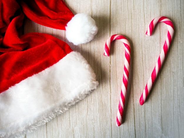 산타와 사탕, 메리 크리스마스 프리미엄 사진