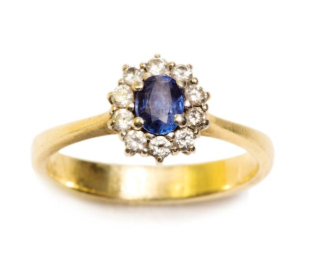 Sapphire and diamond ring Premium Photo
