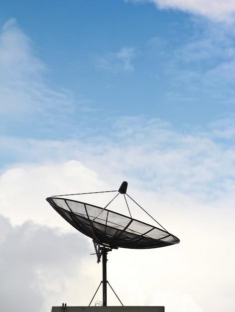 Satellite dishes antenna Premium Photo