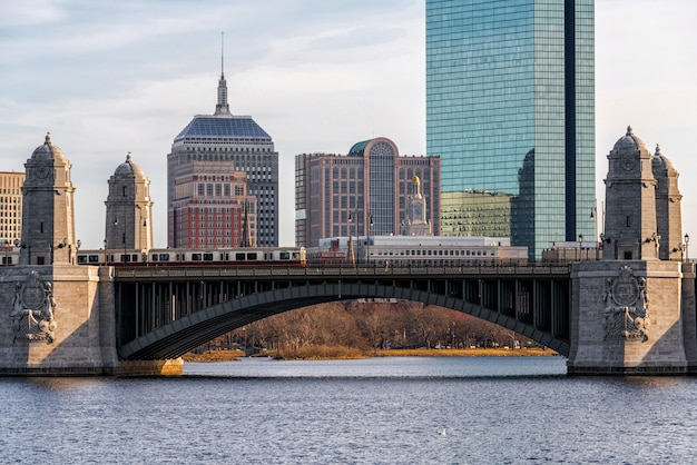 Scene of the bridge of charles river Premium Photo