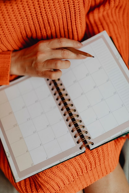 Scheduling in an agenda Premium Photo