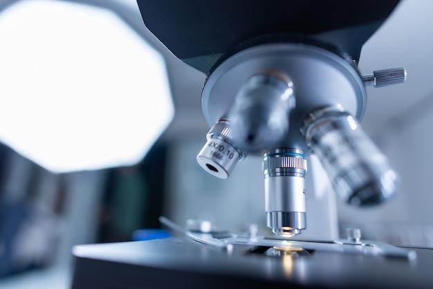 The scientist test the natural product extract Premium Photo