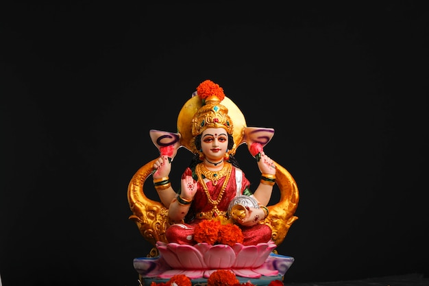 Sculpture of goddess laxmi Premium Photo